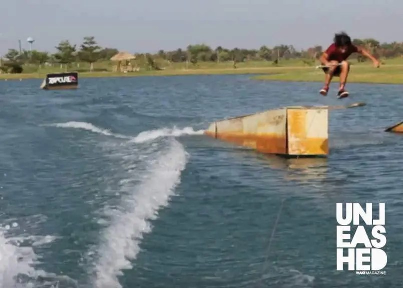 Thailand-floods-unleashed-wake-mag