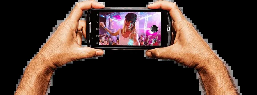 CORE-X4-appareil-photo-main