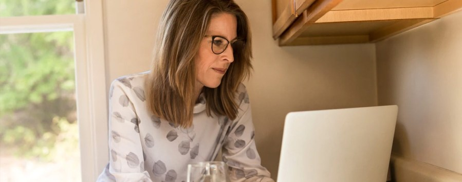 how do women do business article image