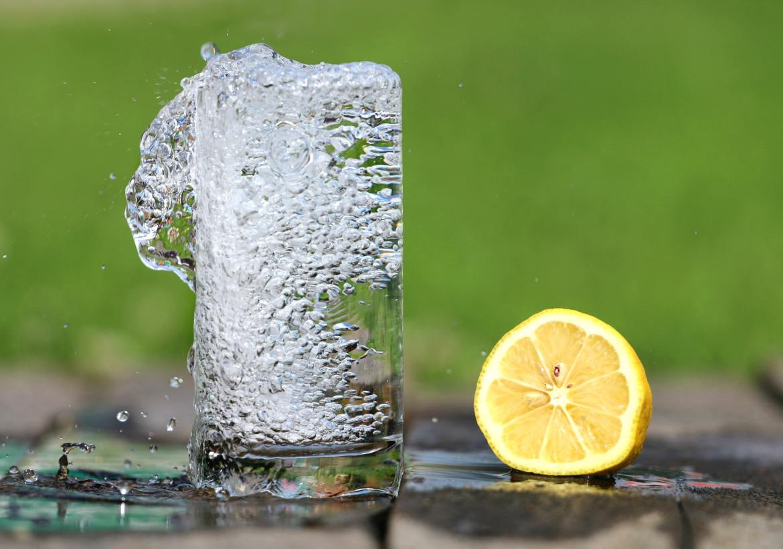 bubbles-drink-glass-161425