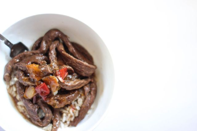 Instant Pot Beef Recipes are quick and easy. Make this instant pot pepper steak in under 20 minutes.