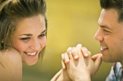 couple-flirting11