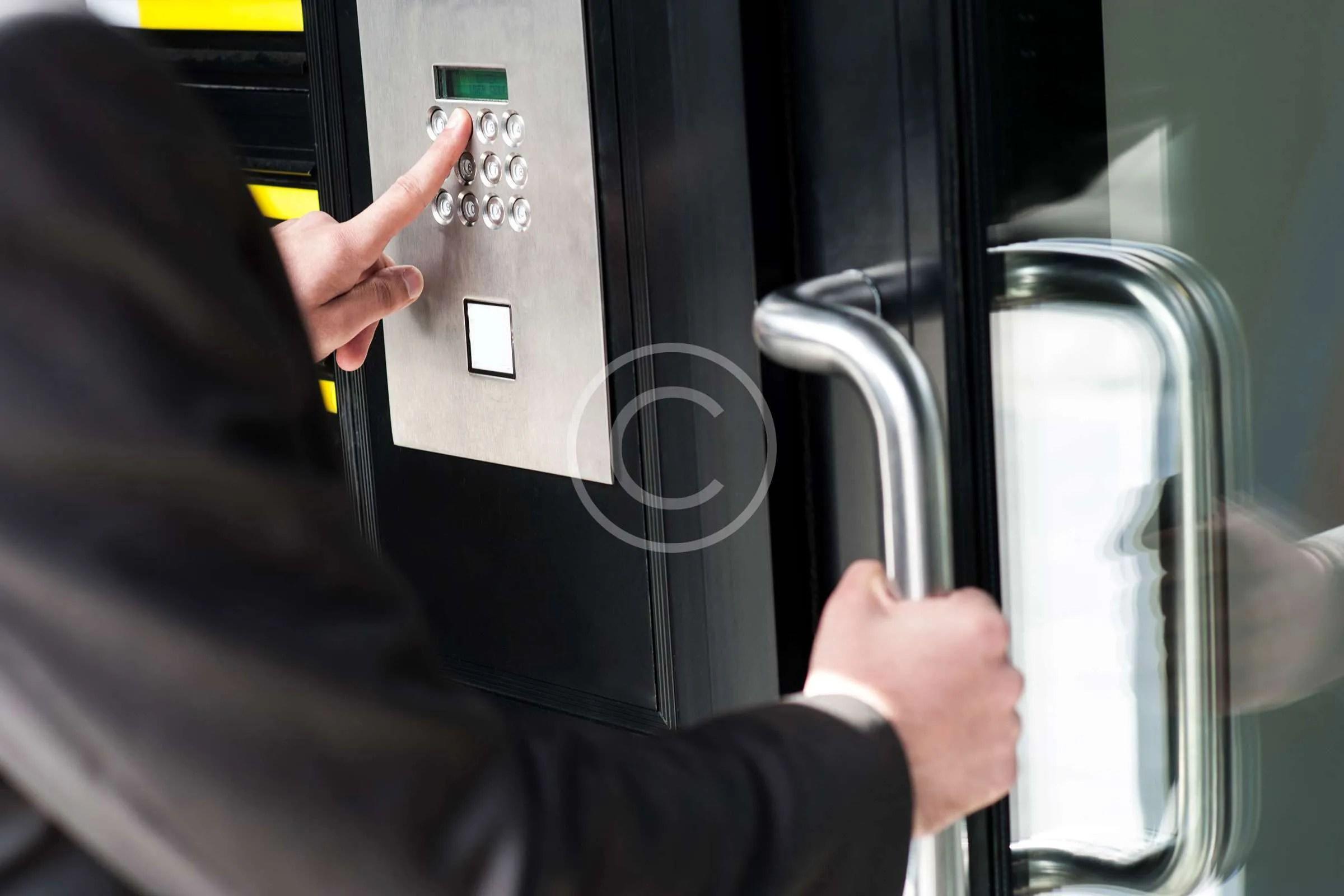 key-pad-lock-commercial-door