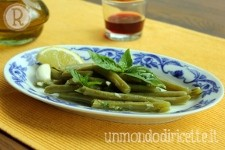 Fagiolini lessi con aglio, menta, basilico e limone