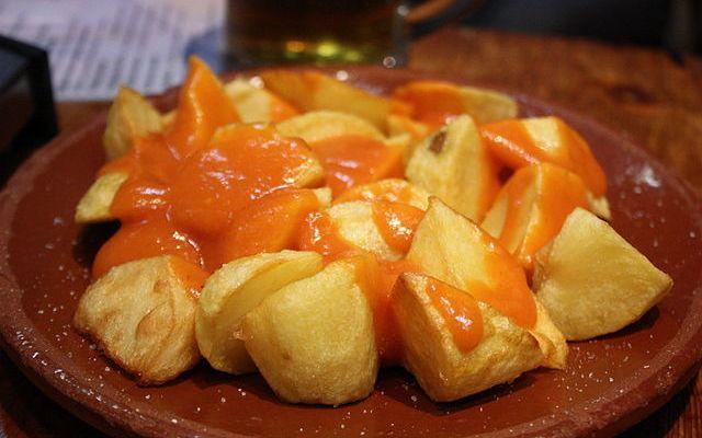 Deliciosas patatas bravas
