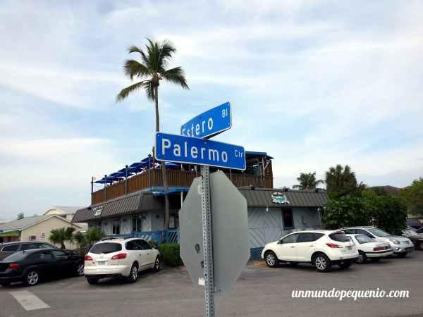 Esquina de Estero Boulevard y Palermo Circle