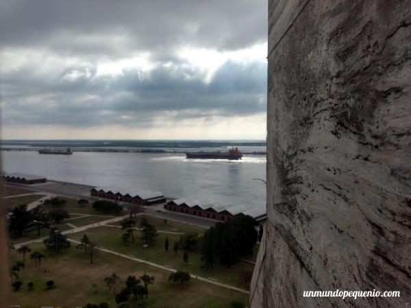 El río Paraná desde la torre del Monumento a la Bandera