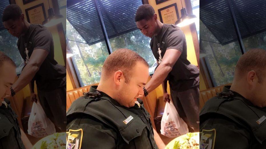 Estudiante universitario ora por un policía en un restaurante local de la Florida : «Estaba encendido con el Fuego de Dios»