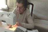 Margarita, la costurera de 84 años que hace 50 mascarillas diarias para los sanitarios