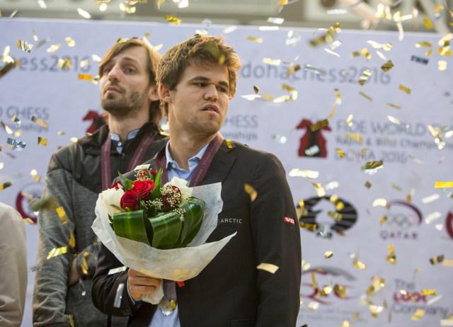 doha-award-ceremony-carlsen-emelianova