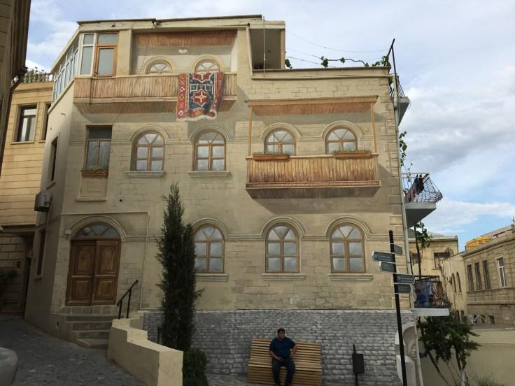 Baku - Trompe l'oeuil in Old Baku