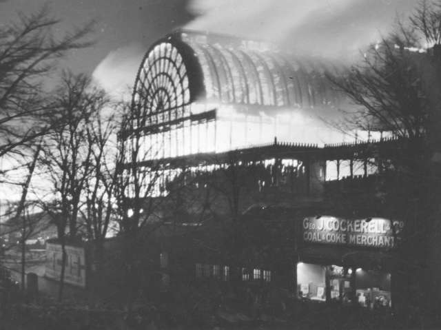 DS45-Crystal_Palace_fire_1936