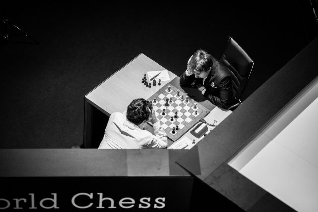 Candidates 2018 - R9, Karjakin-Kramnik dall'alto dopo 24. ... Ae6