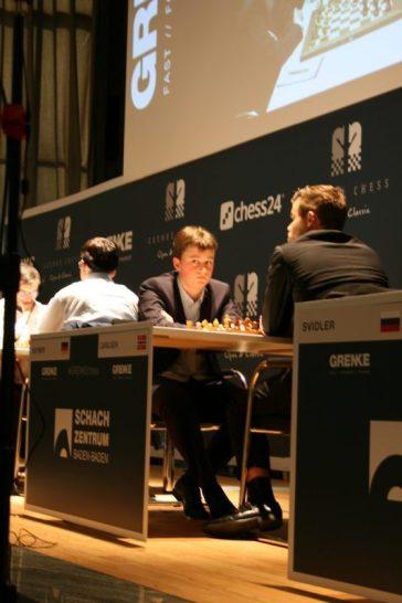 Keymer playing Carlsen R1