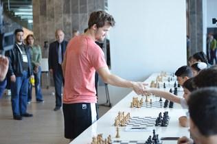Lo sportivo Carlsen e...