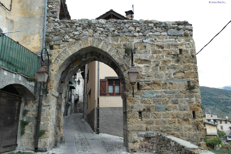 Porte Niçarde, during the middle age this was one of the entry to the town