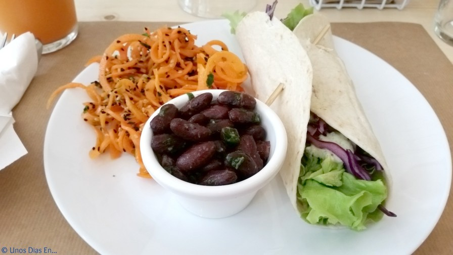 Wrap, with carrot salad and red beans salad