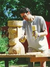 Die erste Holzskulptur ...