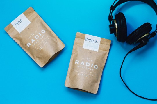 2 bags headphones
