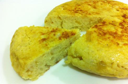Tortilla de coliflor con cebolla