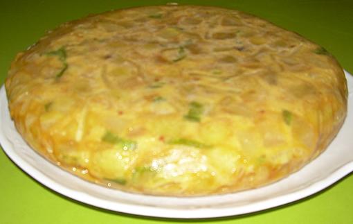 tortilla de patatas pimiento y cebolla