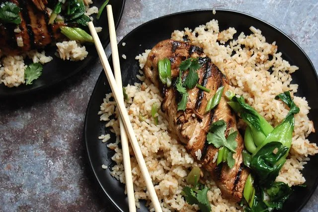 Coconut Rice With Fresh Ginger - Unpeeled - chicken and rice chopsticks