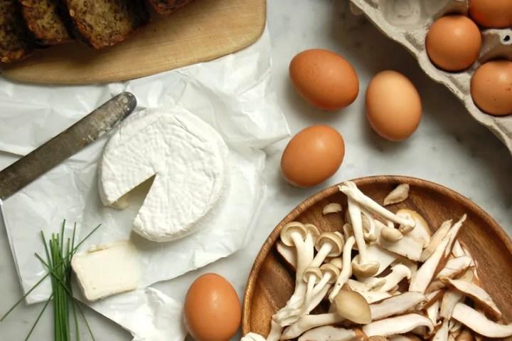 mushroom goat cheese eggs