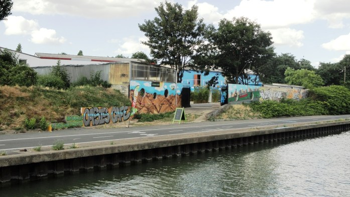 Canal de l'Ourcq, Bobigny - L'Oasis Café