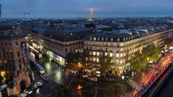 Vue de Paris depuis le tout des Galeries Lafayette - Immeubles et Tour Eiffel