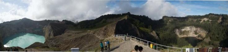 Panorama depuis le point de vue principal de Kelimutu
