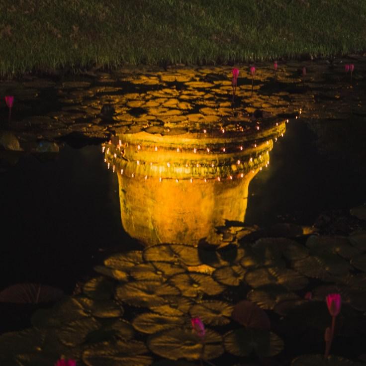 Sukhothai lumière reflet