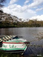bateau-sur-lac-Crater-lake
