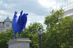 Installation contemporaine sur Trafalgar Square, Londres. © Damien Tellas.