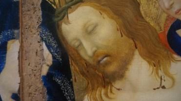 Attribué à Jean Malouel ou aux Frères de Limbourg, Le Christ de pitié soutenu par Saint Jean l'Evangéliste en présence de la Vierge et de deux anges, vers 1405-1410 (détail)