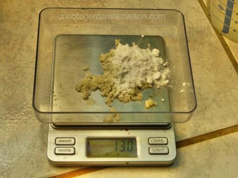 Pesée du Sel et du bicarbonate de soude