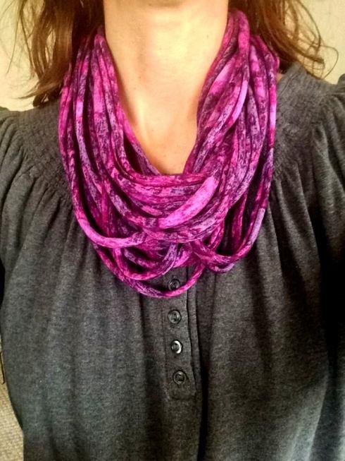 DIY spaghetti scarf