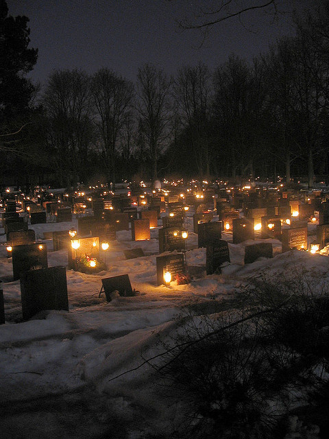 Grave candles in Helsinki 2004. Photo Darren Webb
