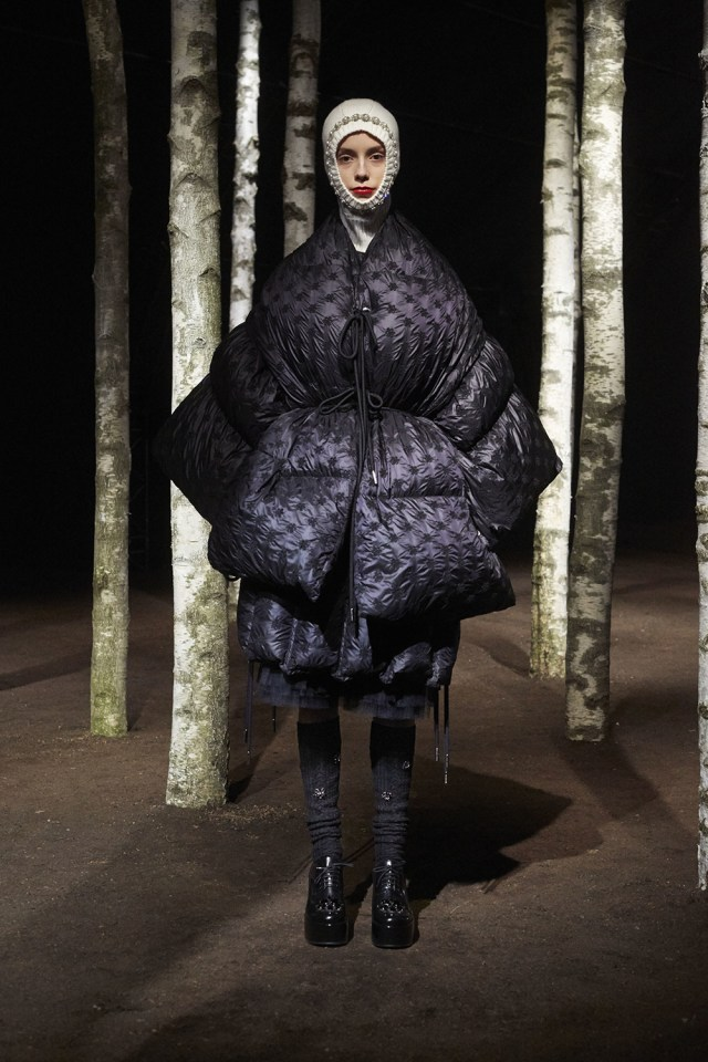 00008-MONCLER-SIMONE-ROCHA-2019-READY-TO-WEAR