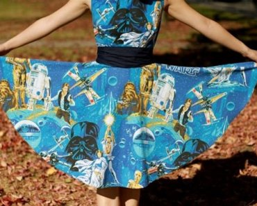 A Gallery of the Geekiest Dresses in Existence
