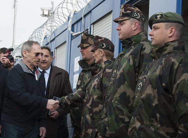 Besuch des ungarischen Innenministers in der Transitzone