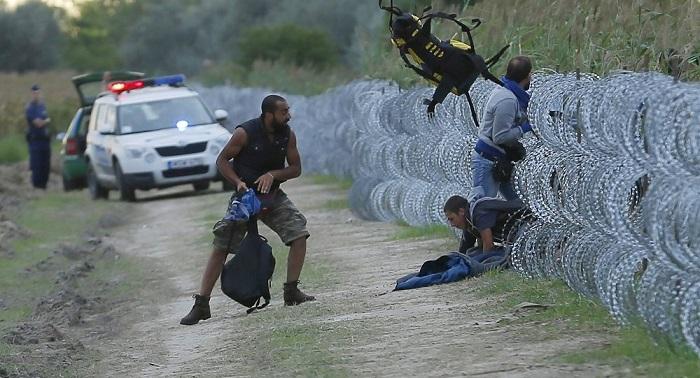 Macron droht osteuropäischen Staaten mit Strafzahlungen, wenn Migrationsquoten nicht erfüllt werden