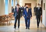 """PM Babiš lobt PM Orbán für """"großartigen Rat"""" zur Bewältigung der COVID-19-Krise"""