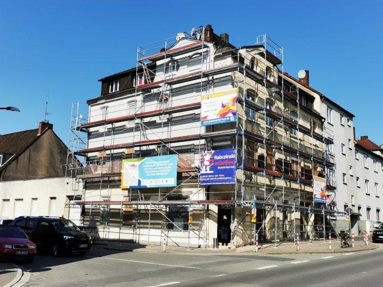 Eingerüstete Immobilie Schützenstraße 60