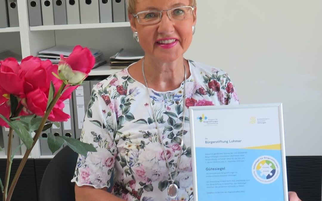 Geschäftsführerin Gabriele Willscheid freut sich über das Gütesiegel