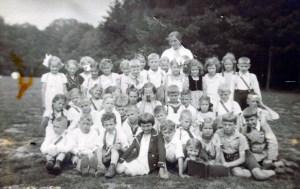 Horst Heckmann mit seiner Klasse im 3. Schuljahr