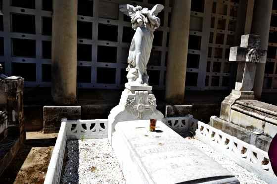 la-fornarina-cementerio-san-isidro