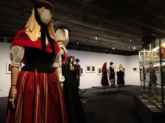 La indumentaria tradicional española a través de las colecciones históricas del Museo del Traje