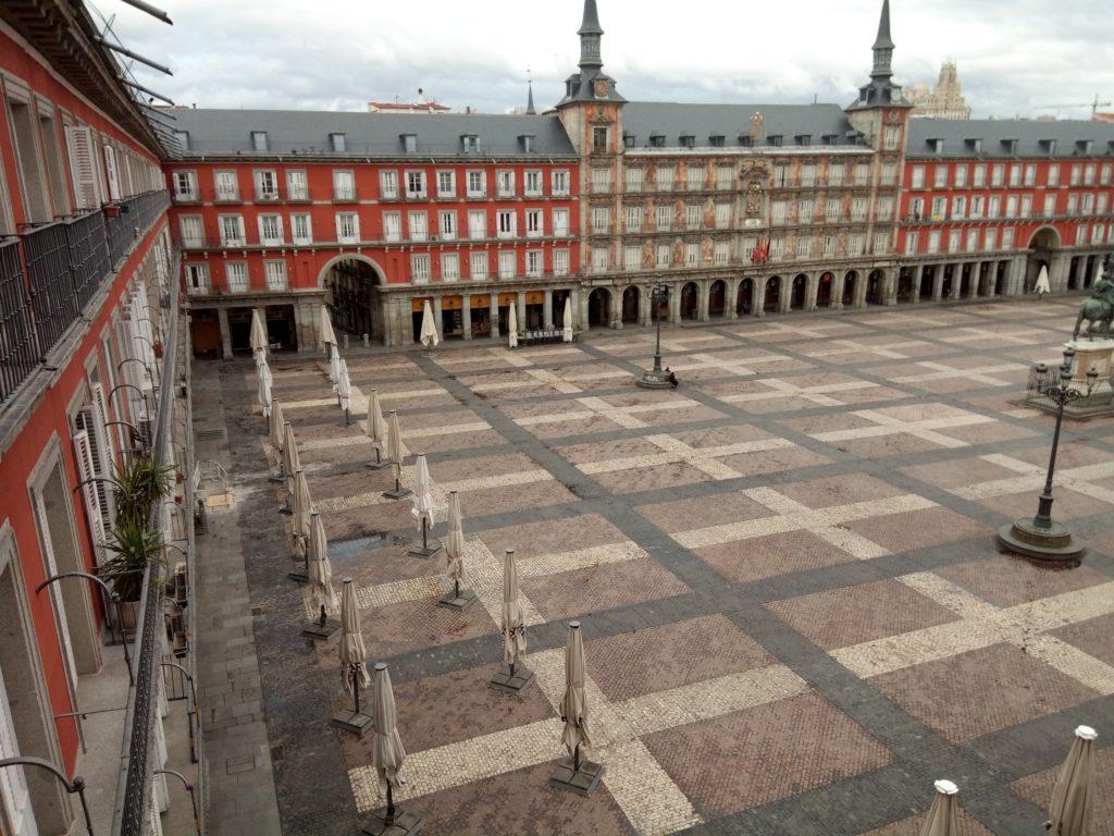 Una de las fotografías que me han enviado nos muestra una serena Plaza Mayor. Fotografía de María Ballester