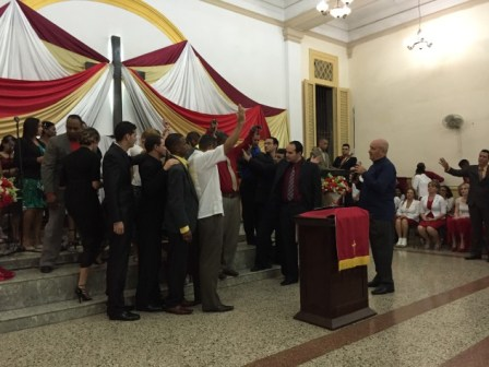 a charismatic worship service in Cuba