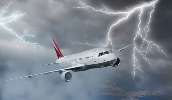 What Happens An Airplane Gets Hits By Lightning?
